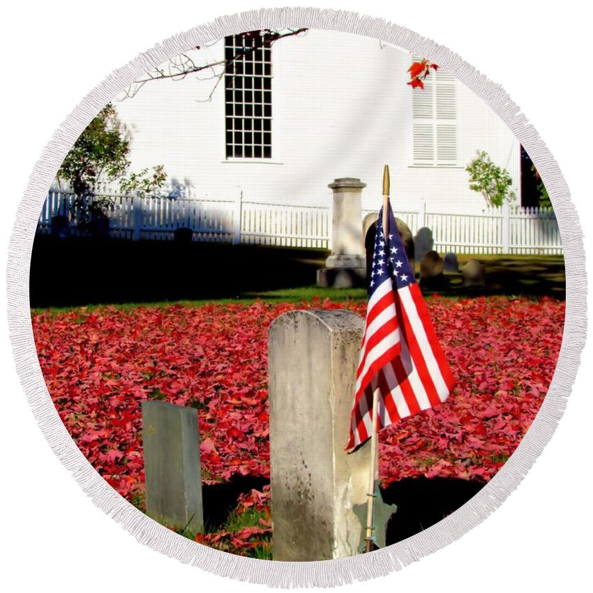 American's Flag Round Beach Towel featuring the photograph Revolutionary War Hero by Elizabeth Dow