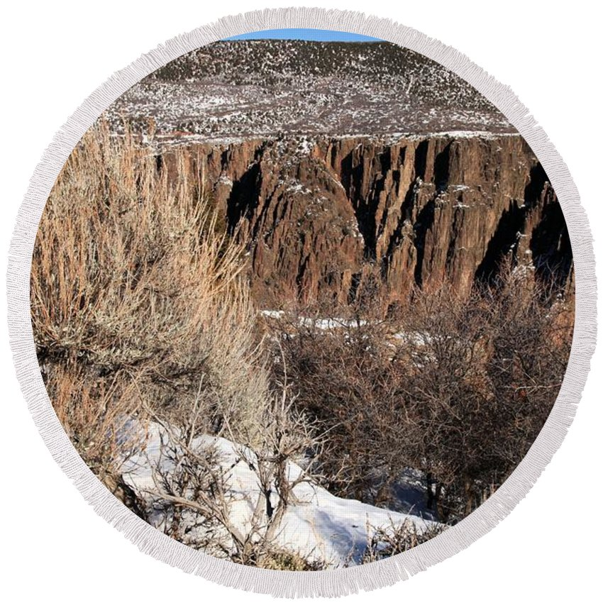 Black Canyon Of The Gunnison Round Beach Towel featuring the photograph Rim Of The Black Canyon by Adam Jewell
