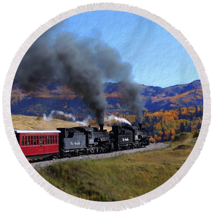Railroad Round Beach Towel featuring the photograph Rio Grande 488 And 489 by Kurt Van Wagner