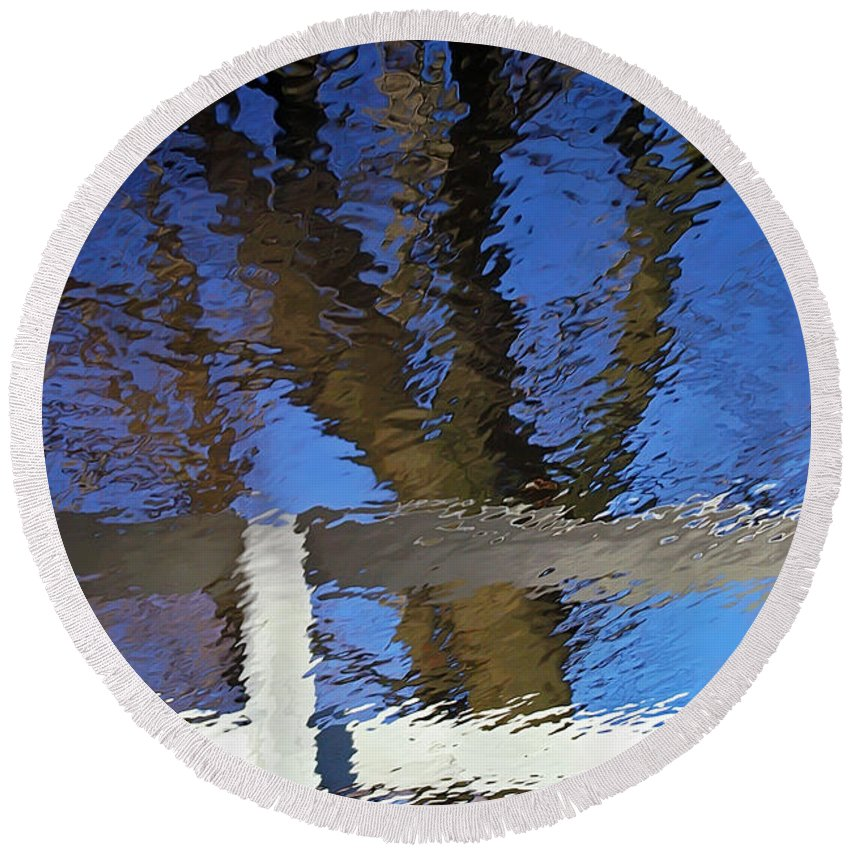 2d Round Beach Towel featuring the photograph Ripple Effect by Brian Wallace