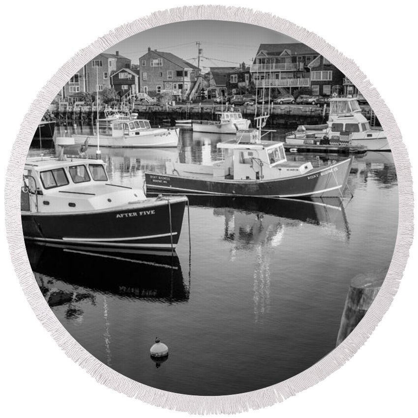 Motif No. 1 Round Beach Towel featuring the photograph Risky Business After Five Bw by Susan Candelario
