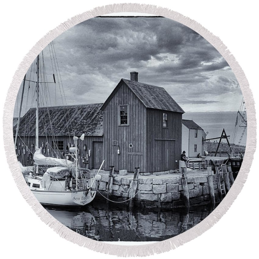 Rockport Round Beach Towel featuring the photograph Rockport Harbor Lobster Shack by Stephen Stookey