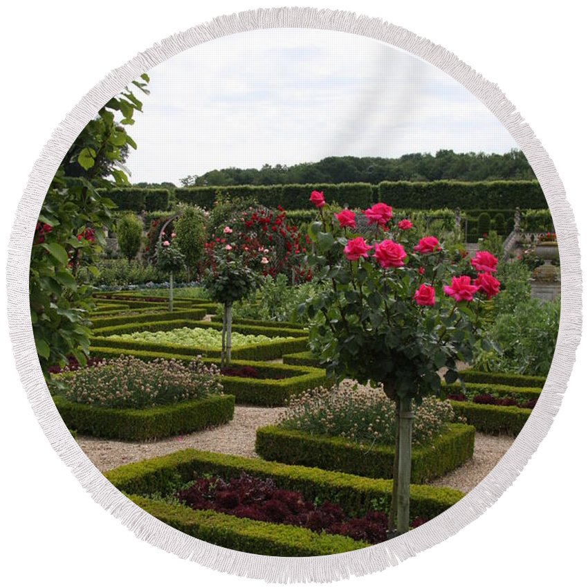 Roses Round Beach Towel featuring the photograph Roses And Cabbage - Chateau Villandry by Christiane Schulze Art And Photography