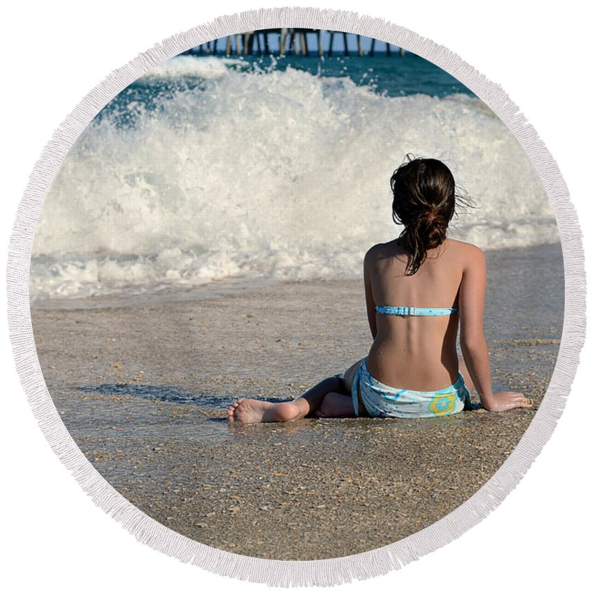 Ocean Round Beach Towel featuring the photograph Rosie's World by Laura Fasulo