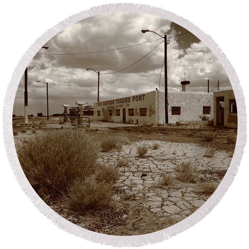 66 Round Beach Towel featuring the photograph Route 66 - Twin Arrows Trading Post by Frank Romeo