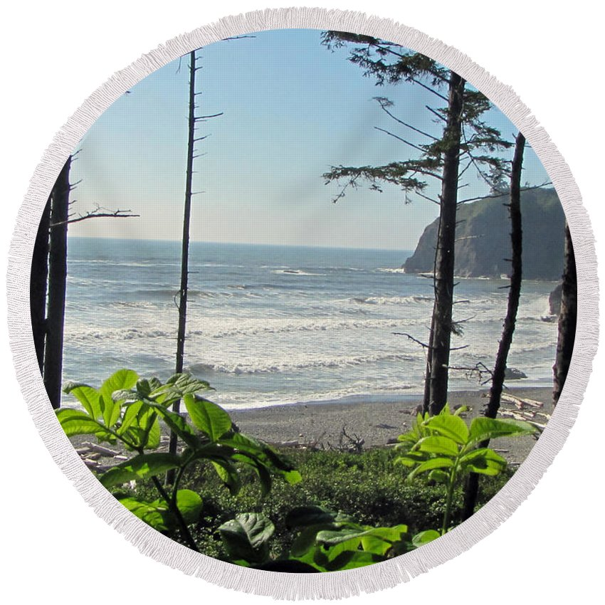 Ruby Beach Round Beach Towel featuring the photograph Ruby Beach I by Tikvah's Hope