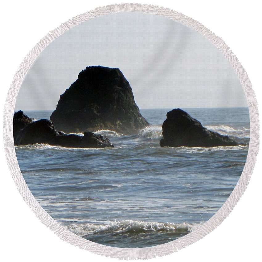 Terrie Heslop Round Beach Towel featuring the photograph Ruby Beach Sea Stack by Tikvah's Hope