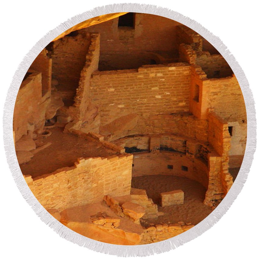 Ruins Round Beach Towel featuring the photograph Ruins Of Mesa Verde by Jeff Swan