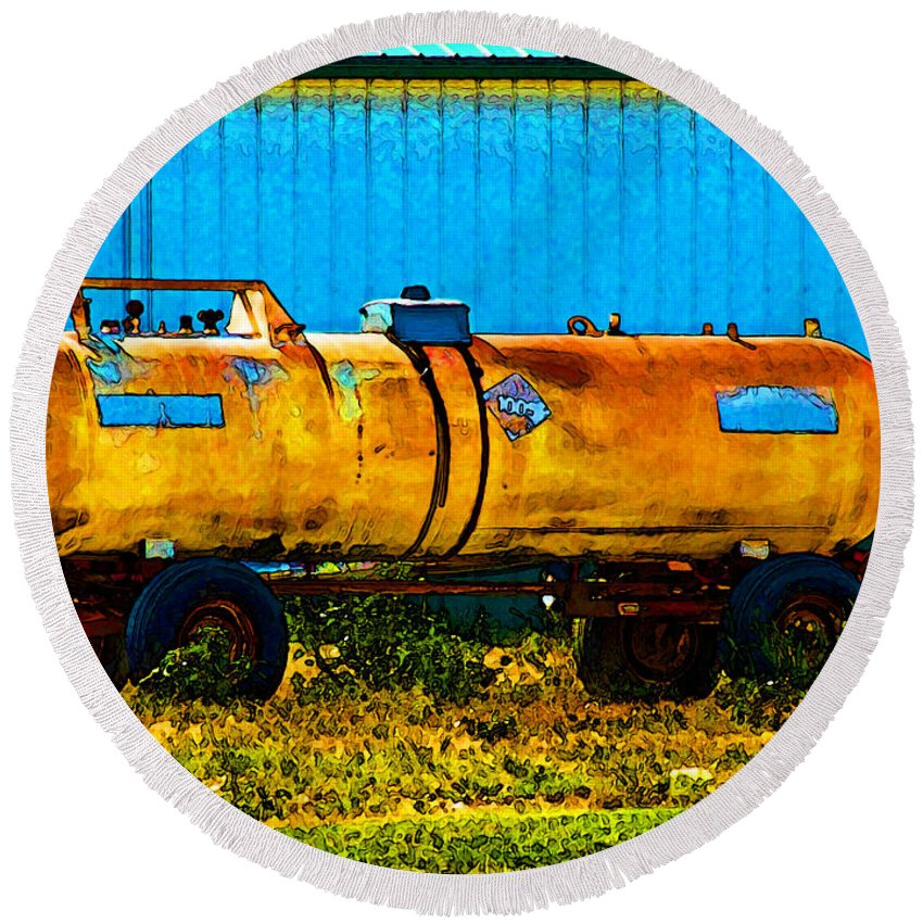 Tanks Round Beach Towel featuring the photograph Rustic Tank Art by Debbie Portwood