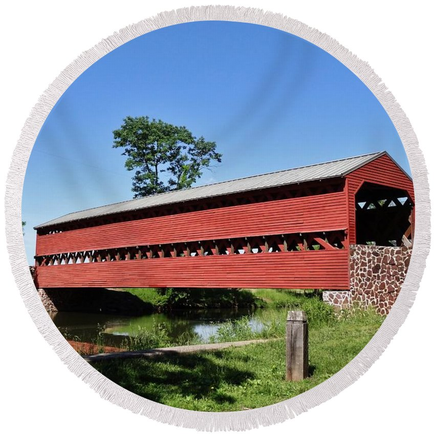 Sachs Round Beach Towel featuring the photograph Sachs Covered Bridge by Scenic Sights By Tara