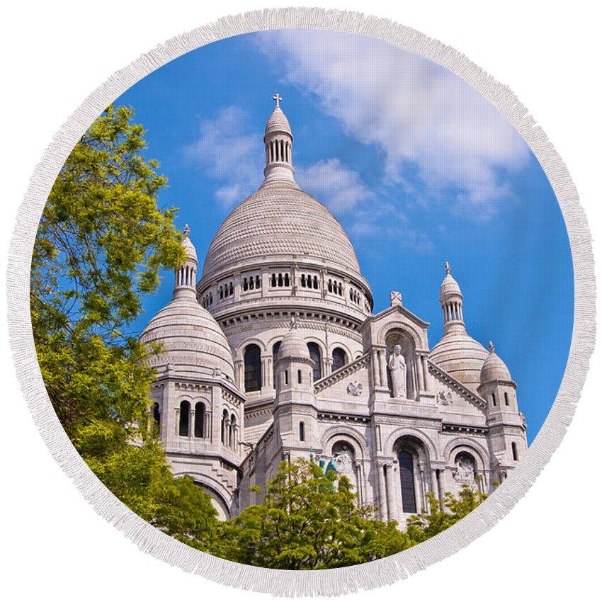 France Round Beach Towel featuring the photograph Sacre Coeur Basilica Paris France by Jon Berghoff