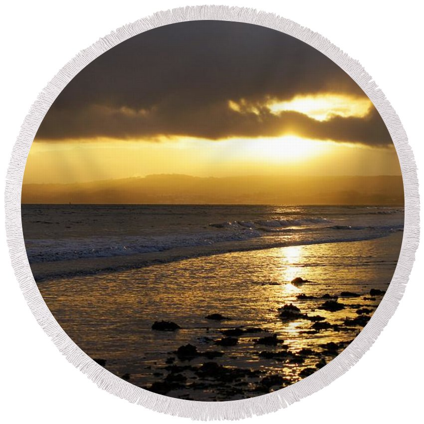 Sunset Round Beach Towel featuring the photograph Sandy Bay At Dusk by Jonathan Steward