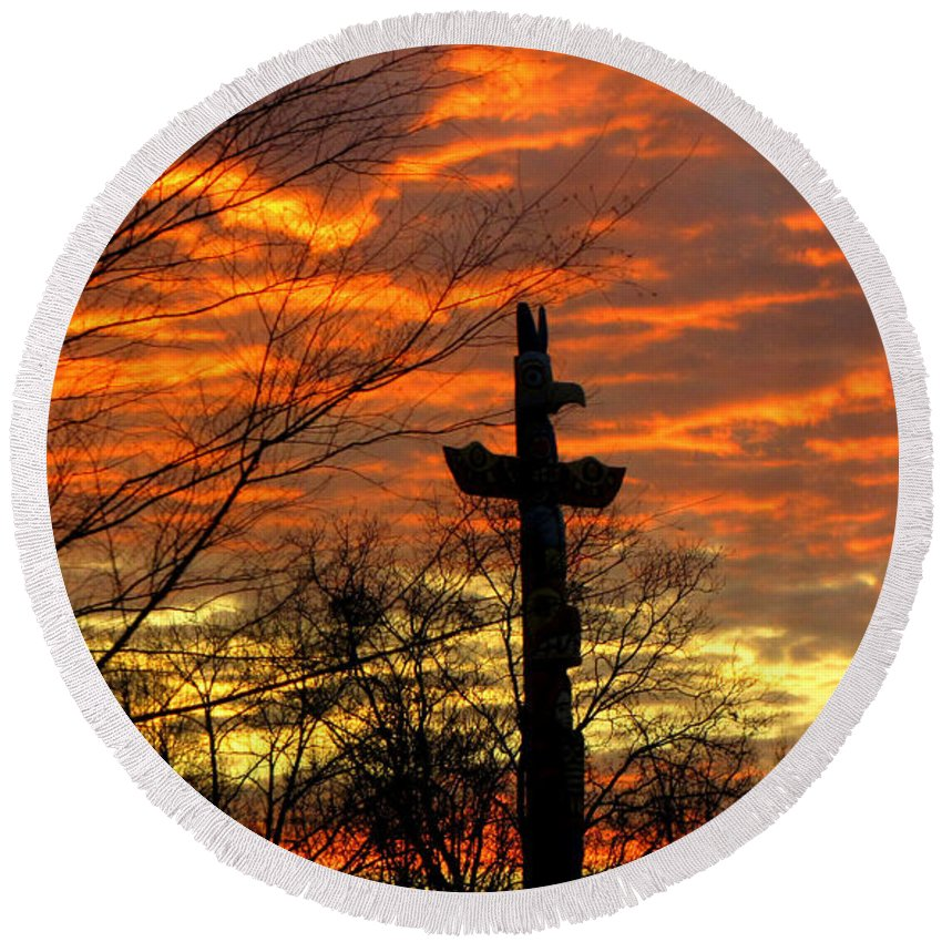 Sunrise Round Beach Towel featuring the photograph School Totem Pole Sunrise by Sarah Houser