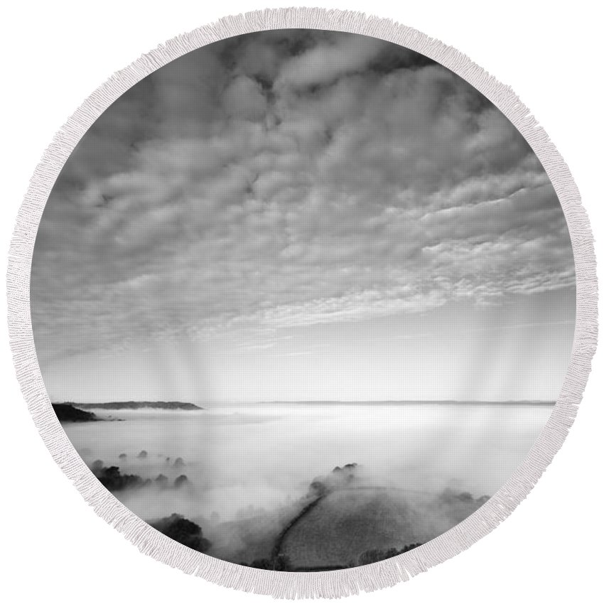 Cam Long Down Round Beach Towel featuring the photograph Sea Of Fog by Anne Gilbert