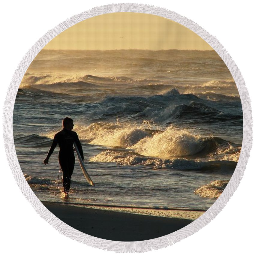 Seascape. Surfing Round Beach Towel featuring the photograph Searching For The Perfect Wave by Mark Schiffner