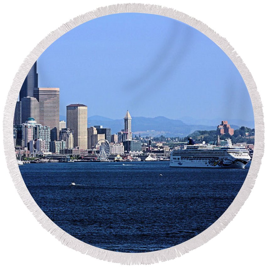 Seattle Round Beach Towel featuring the photograph Seattle Skyscrapers by Kristin Elmquist