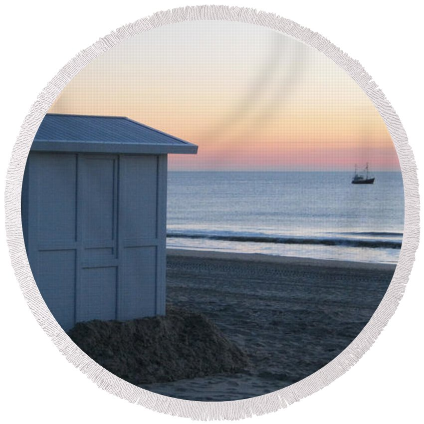 Serene Sunset Round Beach Towel featuring the photograph Serene Sunset 2 by Heidi Sieber