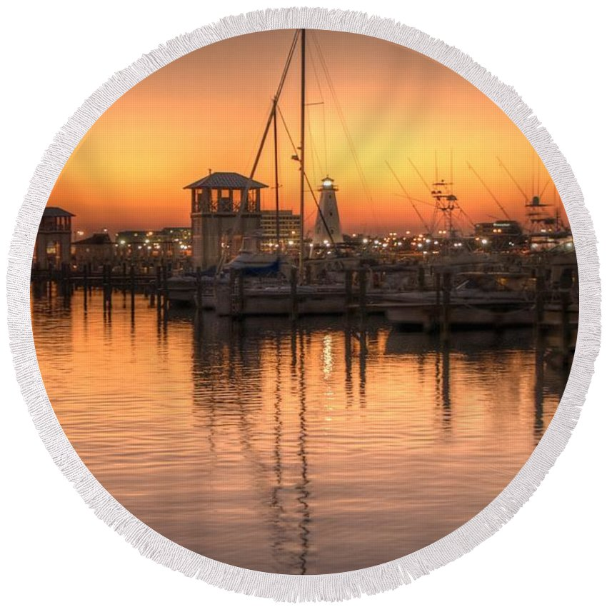 Sunset Round Beach Towel featuring the photograph Serenity Harbor 4 by Beth Gates-Sully