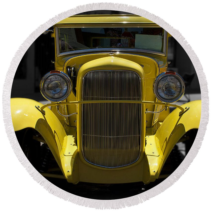 Car Round Beach Towel featuring the photograph She's Yellow by Les Lorek