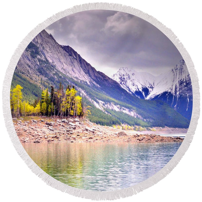 Medicine Lake Round Beach Towel featuring the photograph Shimmering Water At Medicine Lake by Tara Turner