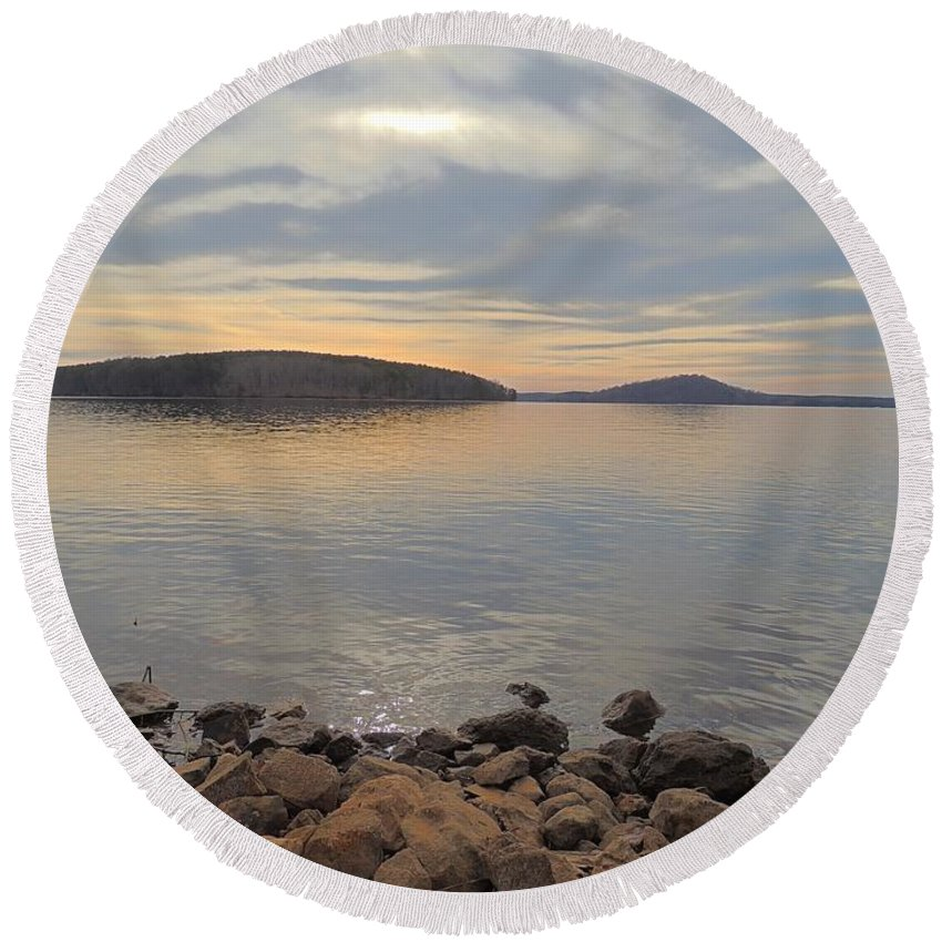Shore Round Beach Towel featuring the photograph Shoreline At King's Mountain Point by Matt Taylor