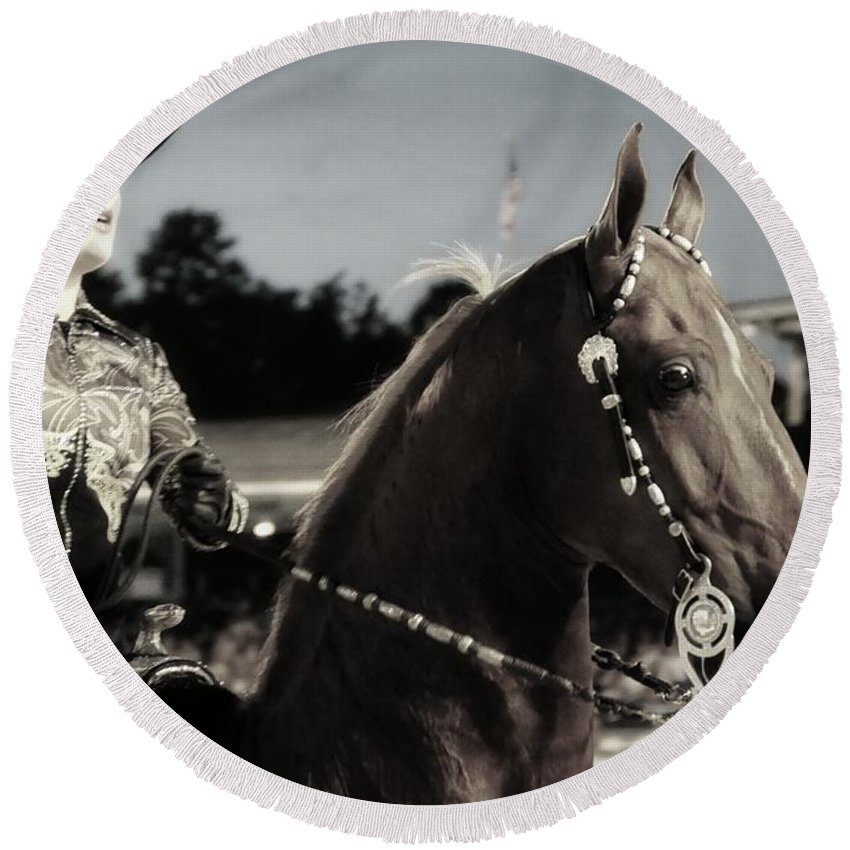 Woman Round Beach Towel featuring the photograph Showhorse by Alice Gipson