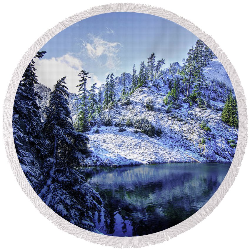 Alpine Lakes Wilderness Round Beach Towel featuring the photograph Shrine by Ryan McGinnis