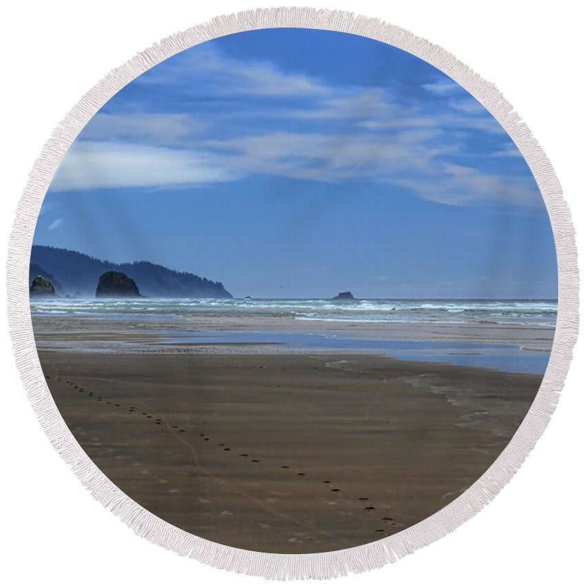Dale Kauzlaric Round Beach Towel featuring the photograph Side By Side Along The Beach by Dale Kauzlaric