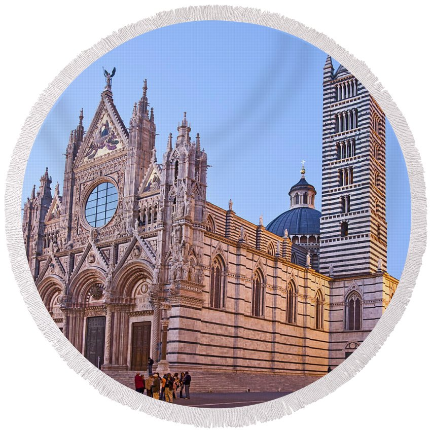Marble Round Beach Towel featuring the photograph Siena Duomo At Sunset by Liz Leyden