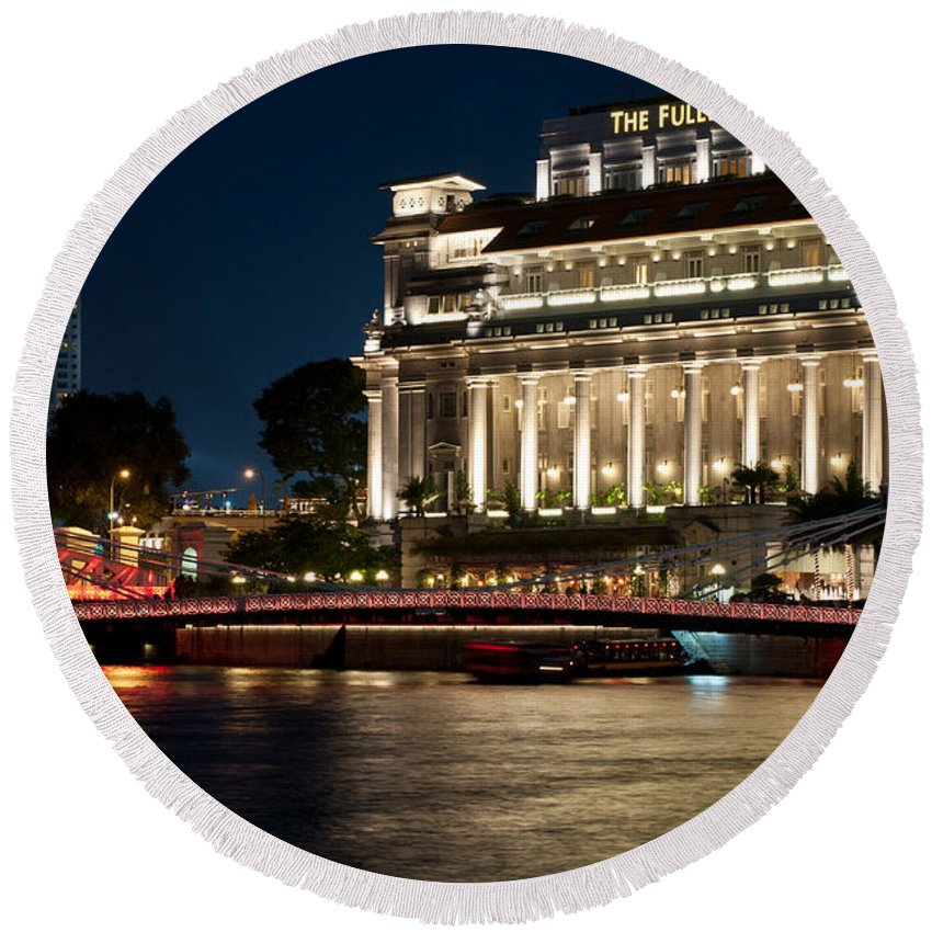 Singapore Round Beach Towel featuring the photograph Singapore Fullerton Hotel At Night 02 by Rick Piper Photography