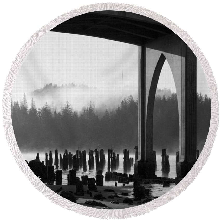 Oregon Round Beach Towel featuring the photograph Siuslaw River Bridge Florence Oregon Black And White by Renee Hong