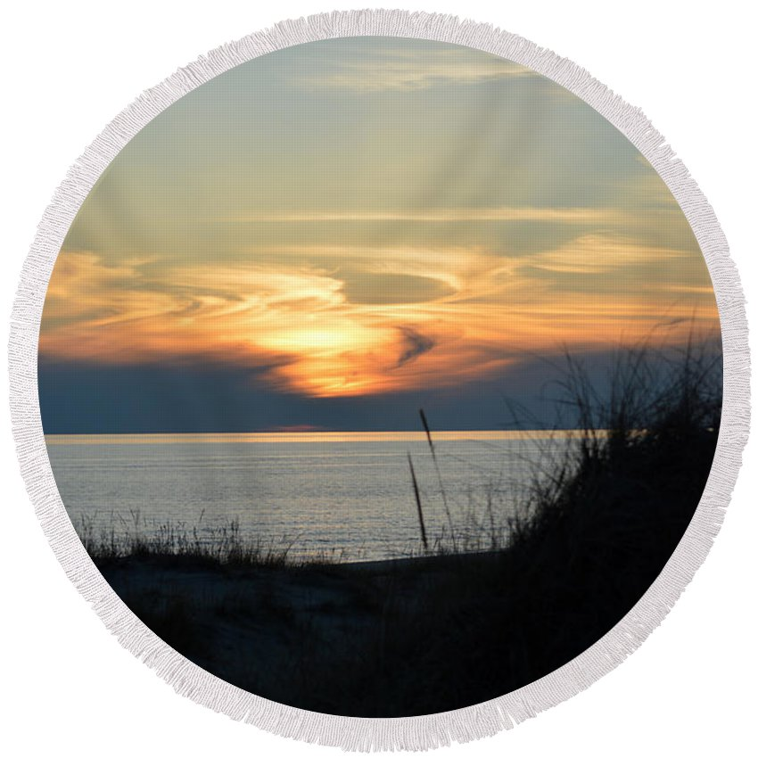 Ludington Round Beach Towel featuring the photograph Sky Painting by Linda Kerkau