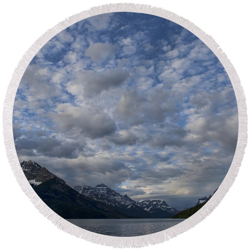 Mountains Round Beach Towel featuring the photograph Sky Water Mountains by David Arment