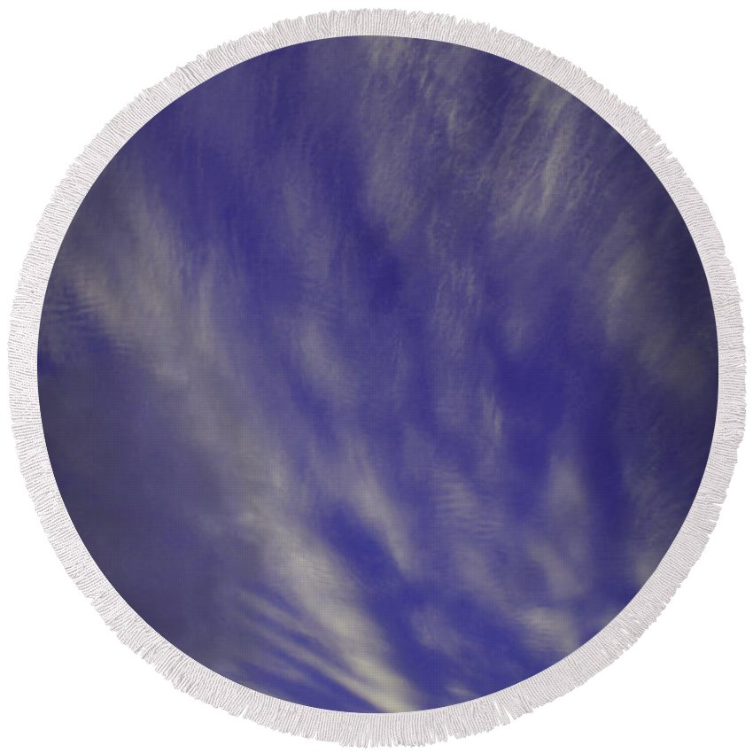 Sky Round Beach Towel featuring the photograph Sky Winds by Mick Anderson