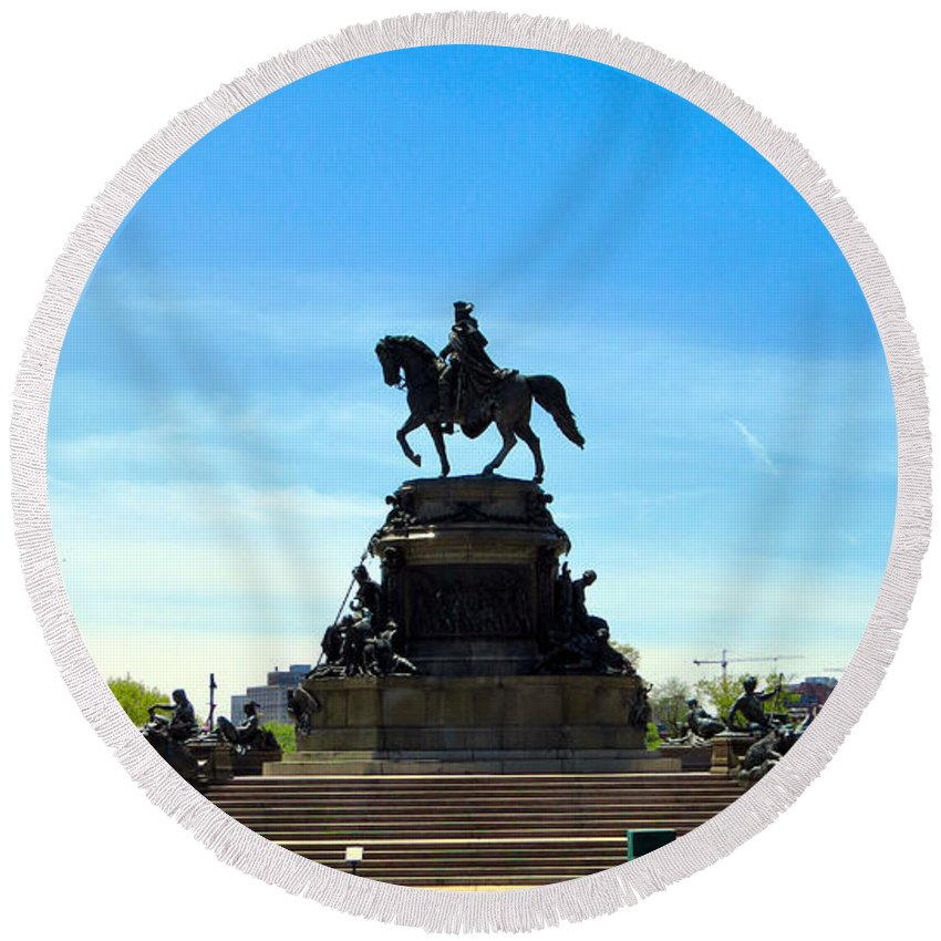 Philadelphia Round Beach Towel featuring the photograph Eakins Oval by Art Dingo