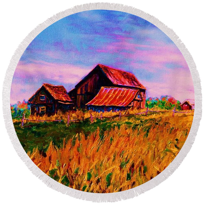 Rustic Barns Round Beach Towel featuring the painting Slendor In The Grass by Carole Spandau