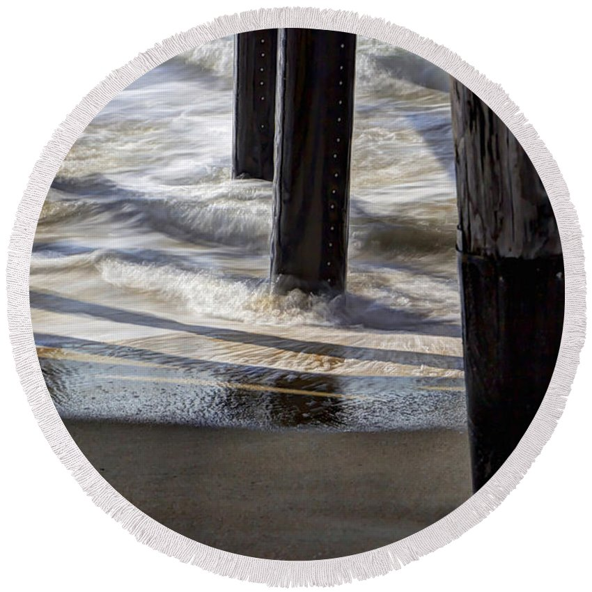 Sea Round Beach Towel featuring the photograph Slow M'ocean by Heidi Smith