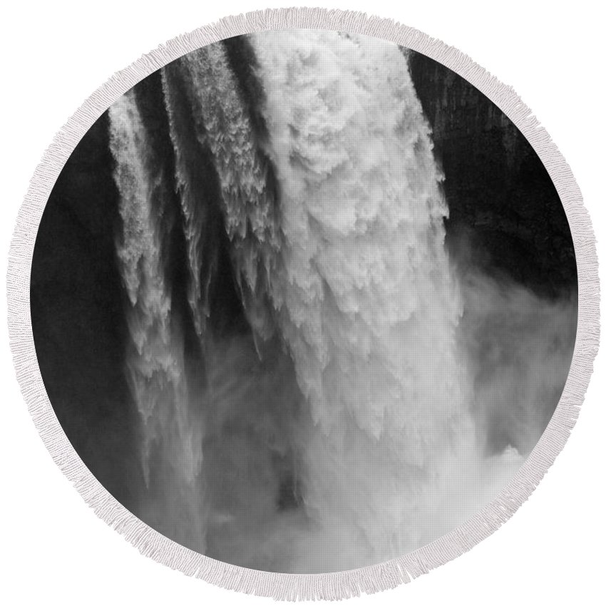 Snoqualmie Falls Round Beach Towel featuring the photograph Snoqualmie Falls - Black And White by Carol Groenen