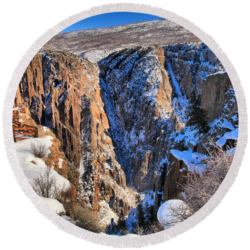Black Canyon Of The Gunnison Round Beach Towel featuring the photograph Snow In The Black Canyon by Adam Jewell