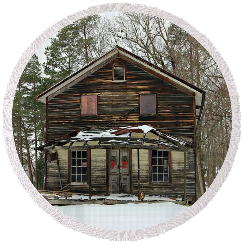 General Store Round Beach Towel featuring the photograph Snow On The General Store by Benanne Stiens