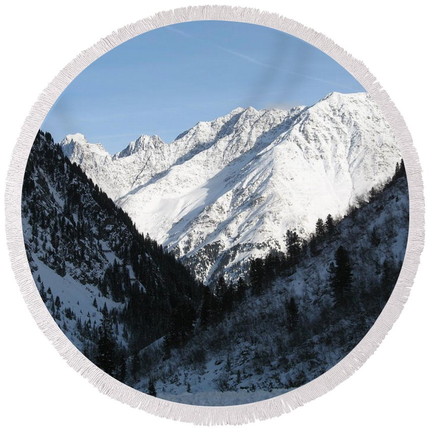 Snow Round Beach Towel featuring the photograph Snowwhite Mountain Top by Christiane Schulze Art And Photography