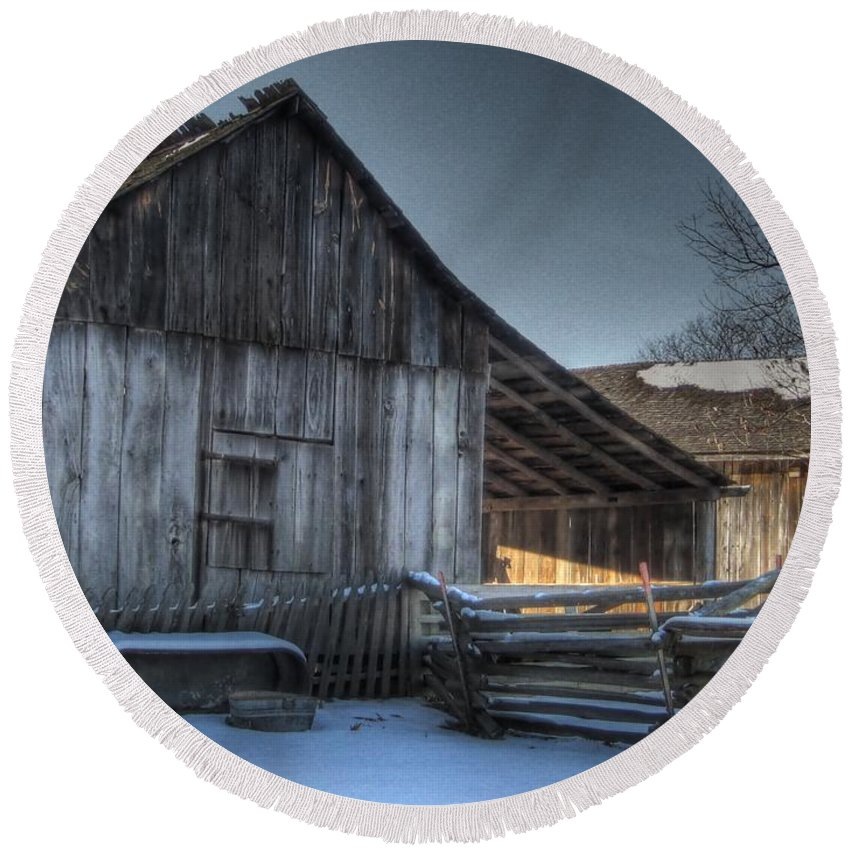 Barn Round Beach Towel featuring the photograph Snowy Barn by Jane Linders