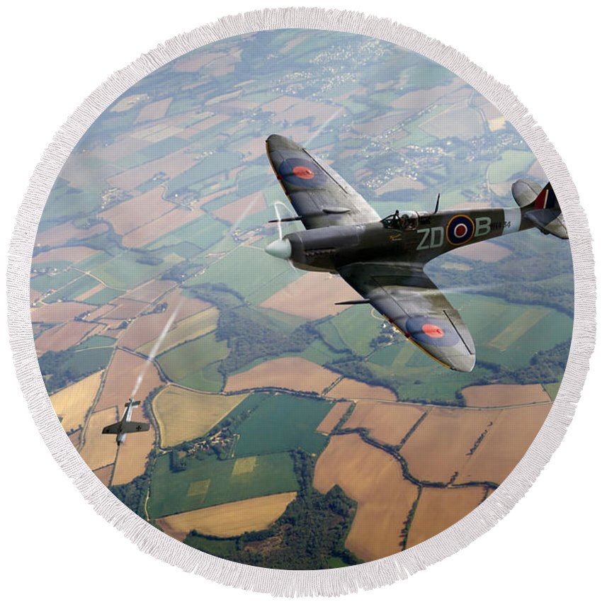 Spitfire Round Beach Towel featuring the photograph Spitfire Victory by Gary Eason