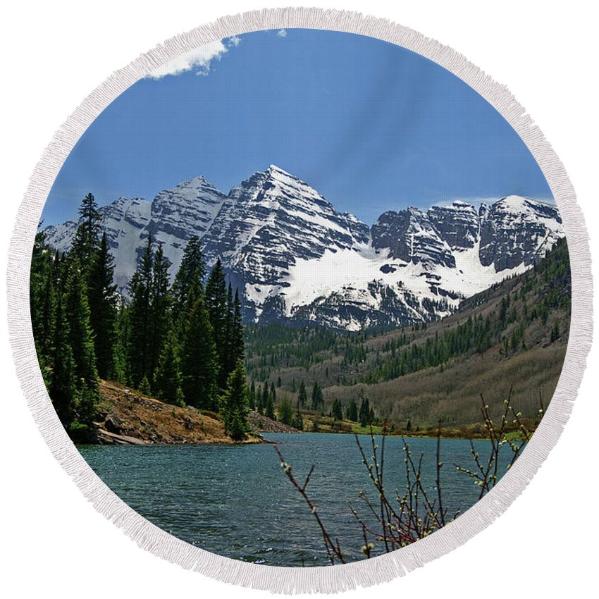 Maroon Bells Round Beach Towel featuring the photograph Spring Bells by Jeremy Rhoades