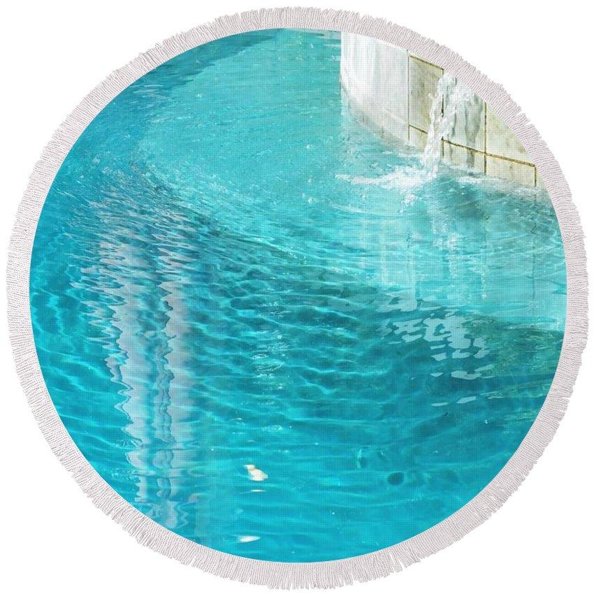 Pool Round Beach Towel featuring the photograph St Francisville Inn La Pool by Lizi Beard-Ward