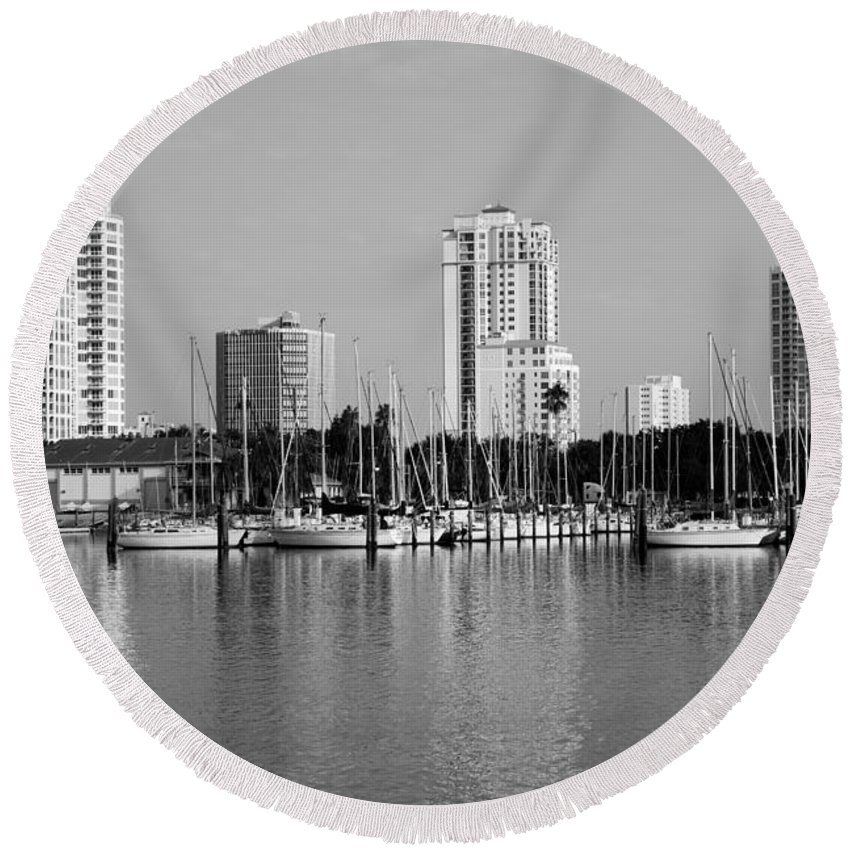 Black And White Round Beach Towel featuring the photograph St Petersburg Fl by Bill Cobb