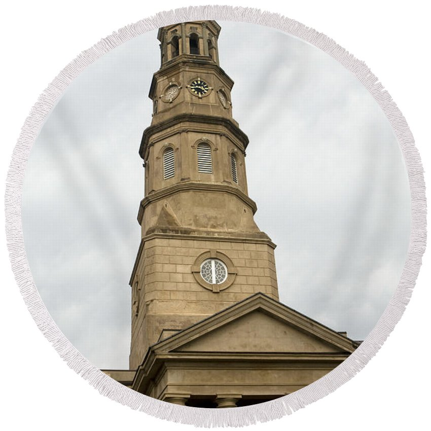 St. Phillip's Episcopal Church Round Beach Towel featuring the photograph St Phillips Episcopal Church Charleston South Carolina by Jason O Watson