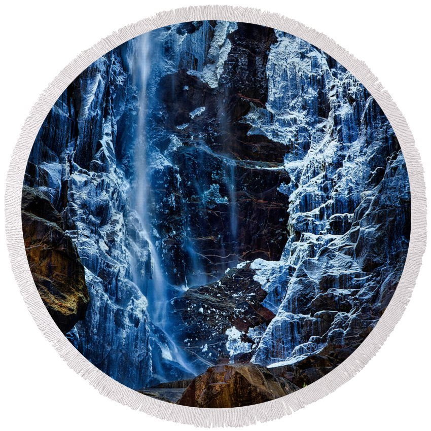 Yosemite Round Beach Towel featuring the photograph Start Of Spring Bridalvail Fall by Anthony Bonafede