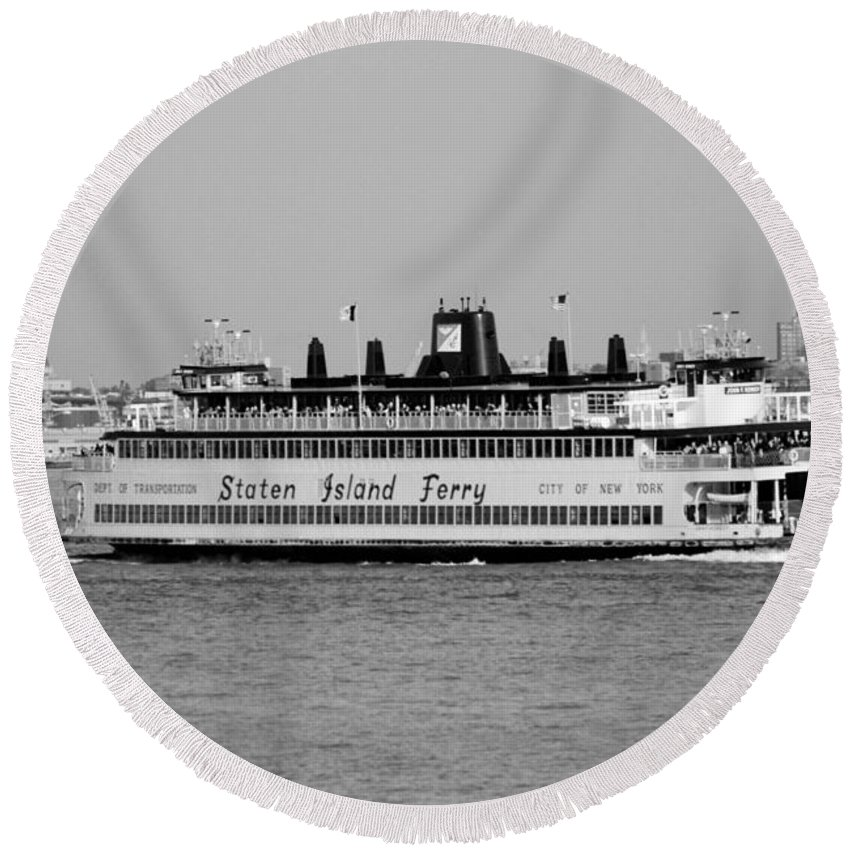 Scenic Round Beach Towel featuring the photograph Staten Island Ferry In Black And White by Rob Hans