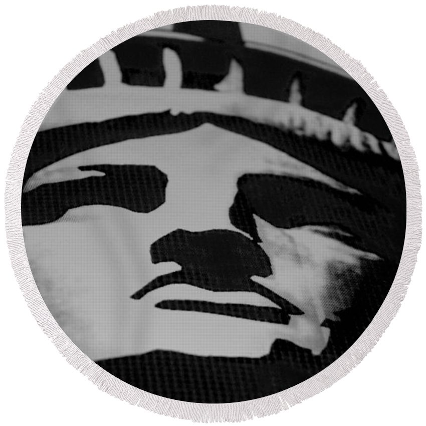 Statue Of Liberty Round Beach Towel featuring the photograph Statue Of Liberty In Black And White by Rob Hans